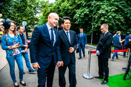 Alexey Shaburov, President of the Sokolniki Exhibition and Convention Centre, Director of the Contemporary Museum of Calligraphy and Li Hui, Extraordinary and Plenipotentiary Ambassador of the People's Republic of China to the Russian Federation