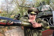 来自奥廖尔州的一名退休上校向所有愿意者赠送坦克